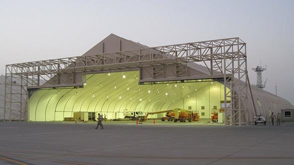 hangar-militar