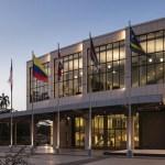 El Parlamento Latino se viste de luz