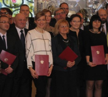 Polish-Prime-Minister-Research-Award_Image-4-468x422