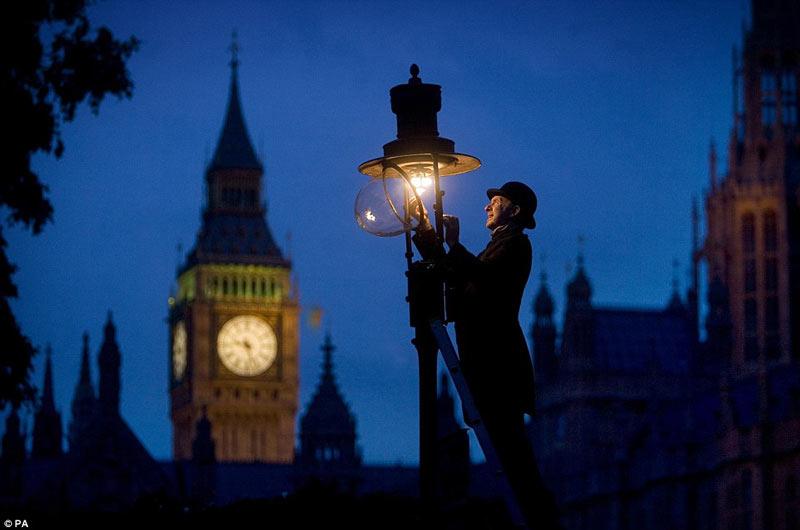 L 225 Mparas De Gas Del Siglo Xix Iluminan Londres En El Siglo