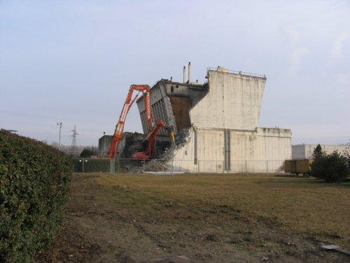 Centrale di Caorso - Lavori di demolizione torri di raffreddamento