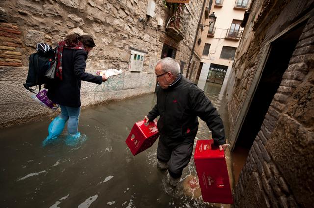 Alluvioni in Spagna, il maltempo fa una vittima