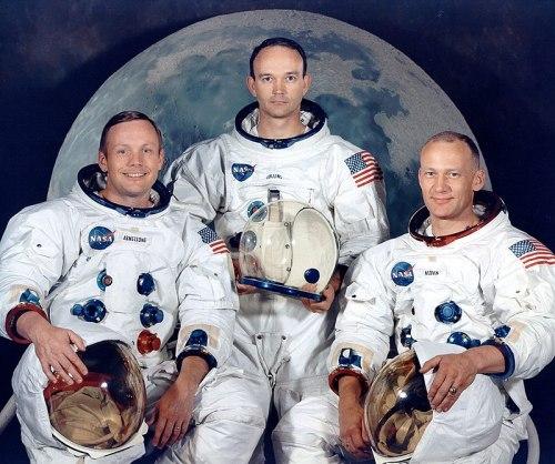 Gli astronauti dell'Apollo 11: da sinistra a destra Neil Amtrong,  Michael Collins e  Buzz Aldrin