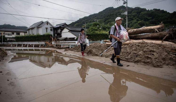 Giappone, disastro piogge torrenziali, vittime e oltre 800mila evacuati. Le immagini