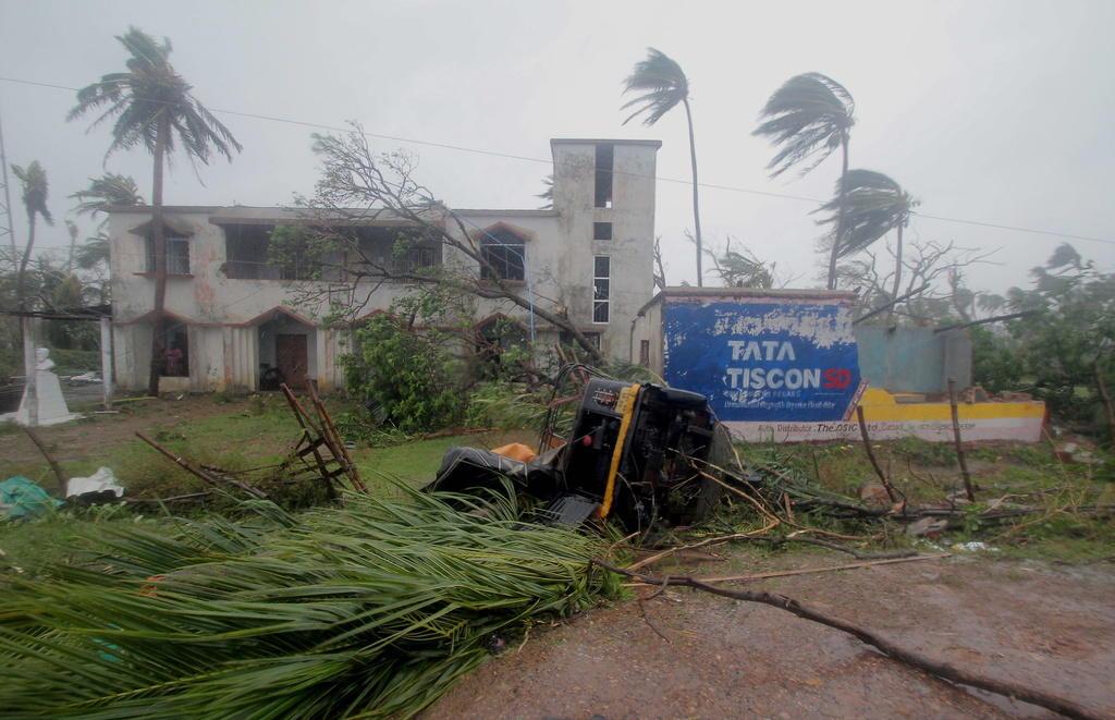 Paura per l'uragano Dorian: scatta lo stato d'emergenza, pronti all'evacuazione