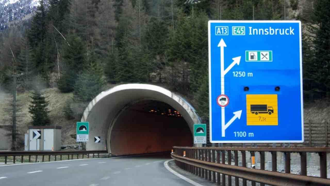 L'Austria chiude le frontiere con l'Italia