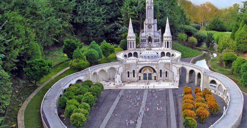 Il santuario di Lourdes chiude per il covid-19, è la prima volta ...