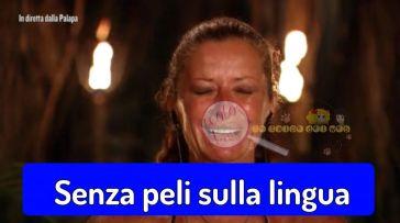 'Isola dei Famosi' Valentina Persia 'on fire' su Brando Giorgi, anche se cade in una evidente contraddizione…e poi c'è lui, che non l'ha neanche salutata…