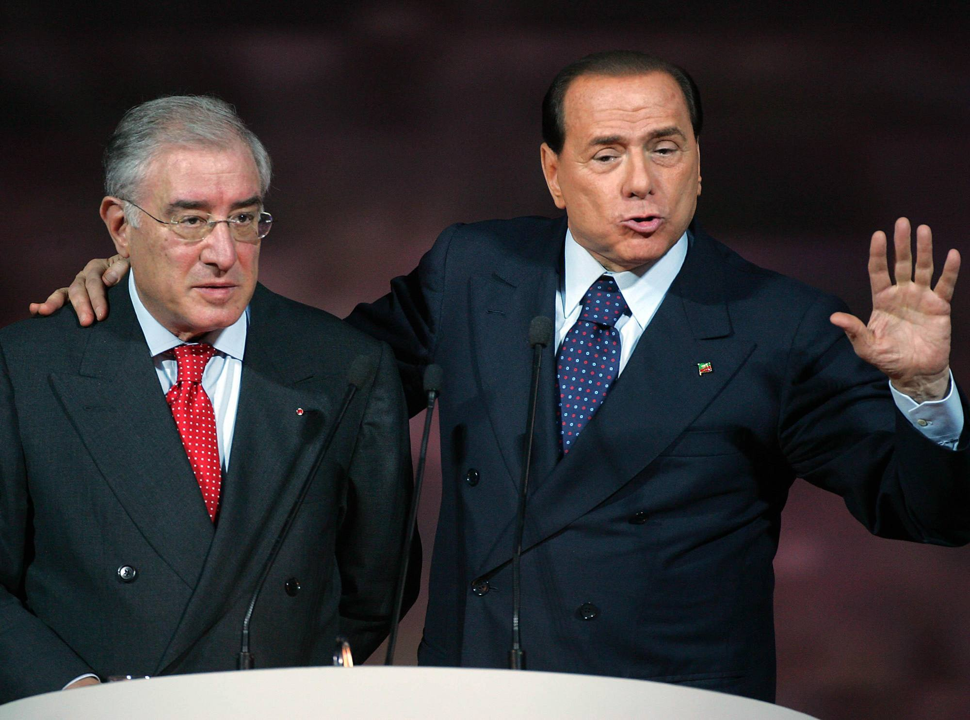Chi vota centrodesta…È complice dei Mafiosi..