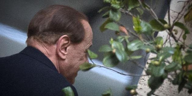 """Intercettazione(telefonata integrale) tra Berlusconi e Dell'Utri per UNa BOMBA """"Ridono"""""""
