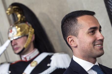 Luigi Di Maio: Malta faccia sbarcare donne e bambini,li accoglieremo in Italia