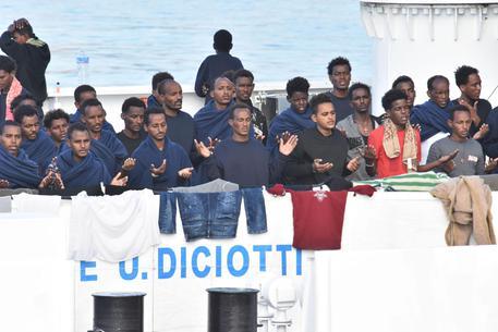 Diciotti: il fascicolo di indagine su Salvini e Piantedosi trasmesso a Palermo