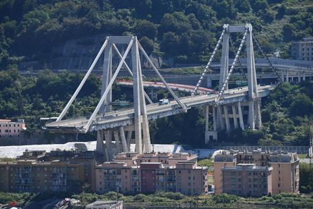 Genova: si aggrava ancora il bilancio dei morti, sono 39. Sedici i feriti, dodici in codice rosso