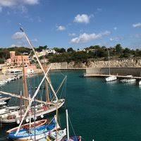Danni a Tricase porto: Carcassa di auto recuperata in mare (video)