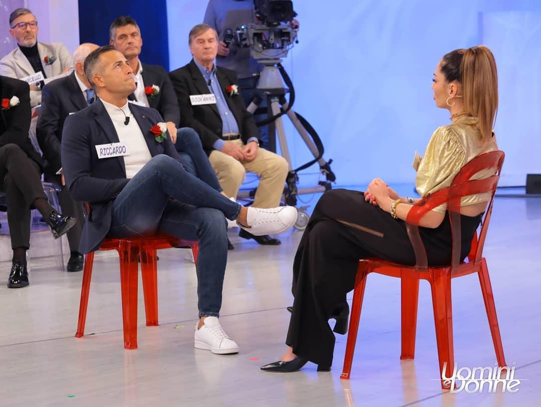 Uomini e donne: tutti in attesa della risposta di Ida Platano,cosa rispondera' per voi?