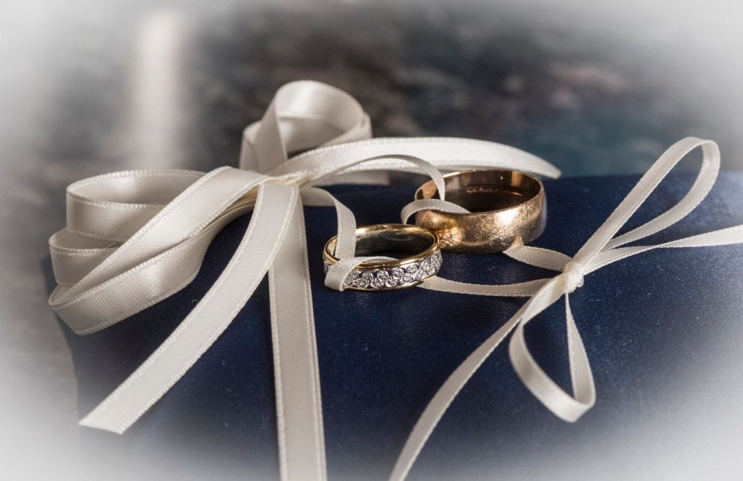 Wedding rings by Peterborough wedding photographer