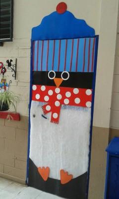 Decoramos nuestra clase con motivos de invierno for Puertas escolares decoradas