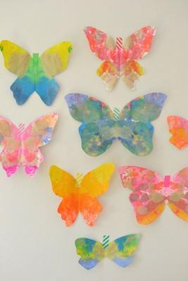Mariposas de papel con ceras y crayones reciclados (8)