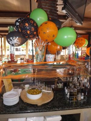 "ideas para decorar con globos para niños ""Halloween"" (15)"