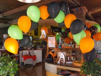 "ideas para decorar con globos para niños ""Halloween"" (21)"