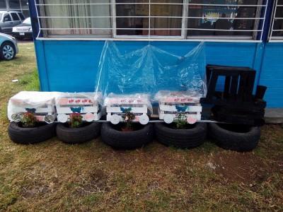 Decoramos nuestro patio con neumáticos y materiales reciclados (4)
