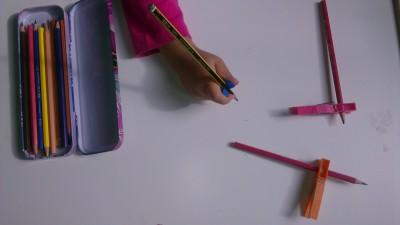 Truco enseñar a coger el lápiz correctamente (10)