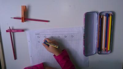 Truco enseñar a coger el lápiz correctamente (14)