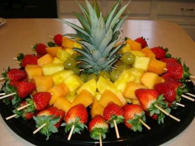 Fuentes y brochetas de frutas (20)