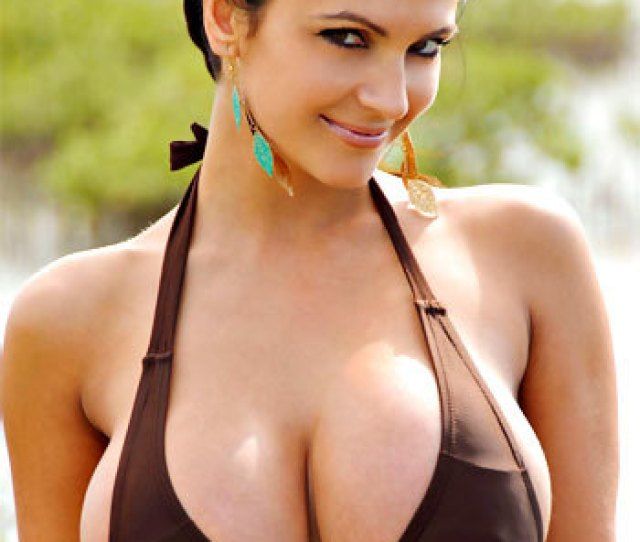 Denise Milani Is One Of The Most Searched For Girls On The Interent And Can You See Why This Girl Has A Nice Exotic Look Those