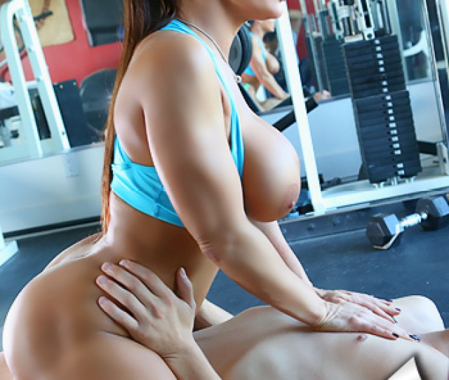 Hot Lisa Ann Gets Fucked During Workout
