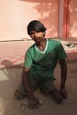 Jeune homme handicapé, mendiant dans la rue - Jaipur, Inde 2012