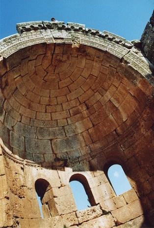 Abside de l'église de Qalb Loze, au nord-ouest d'Alep, Syrie, 1996