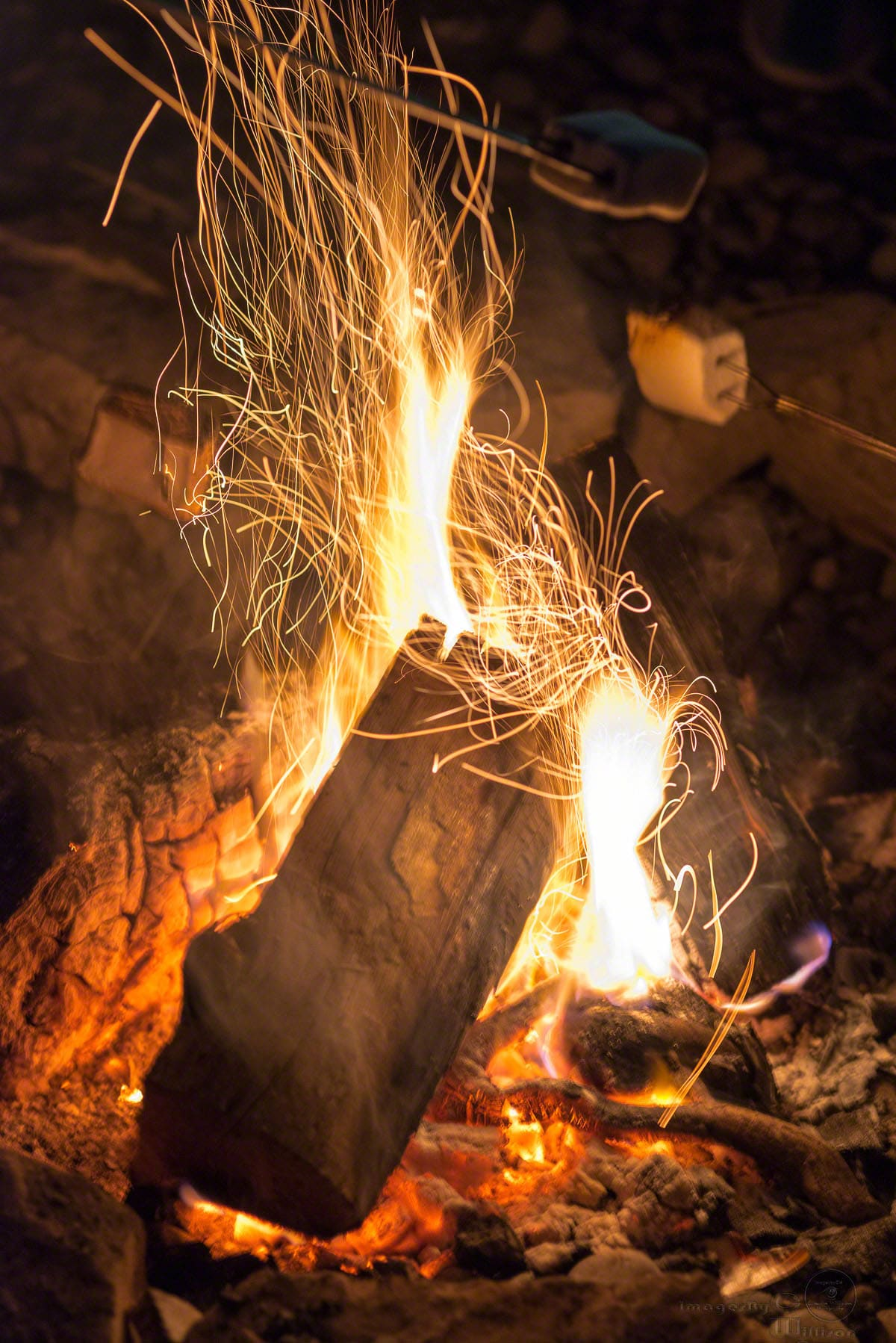 Sparkling Fire & S'mores