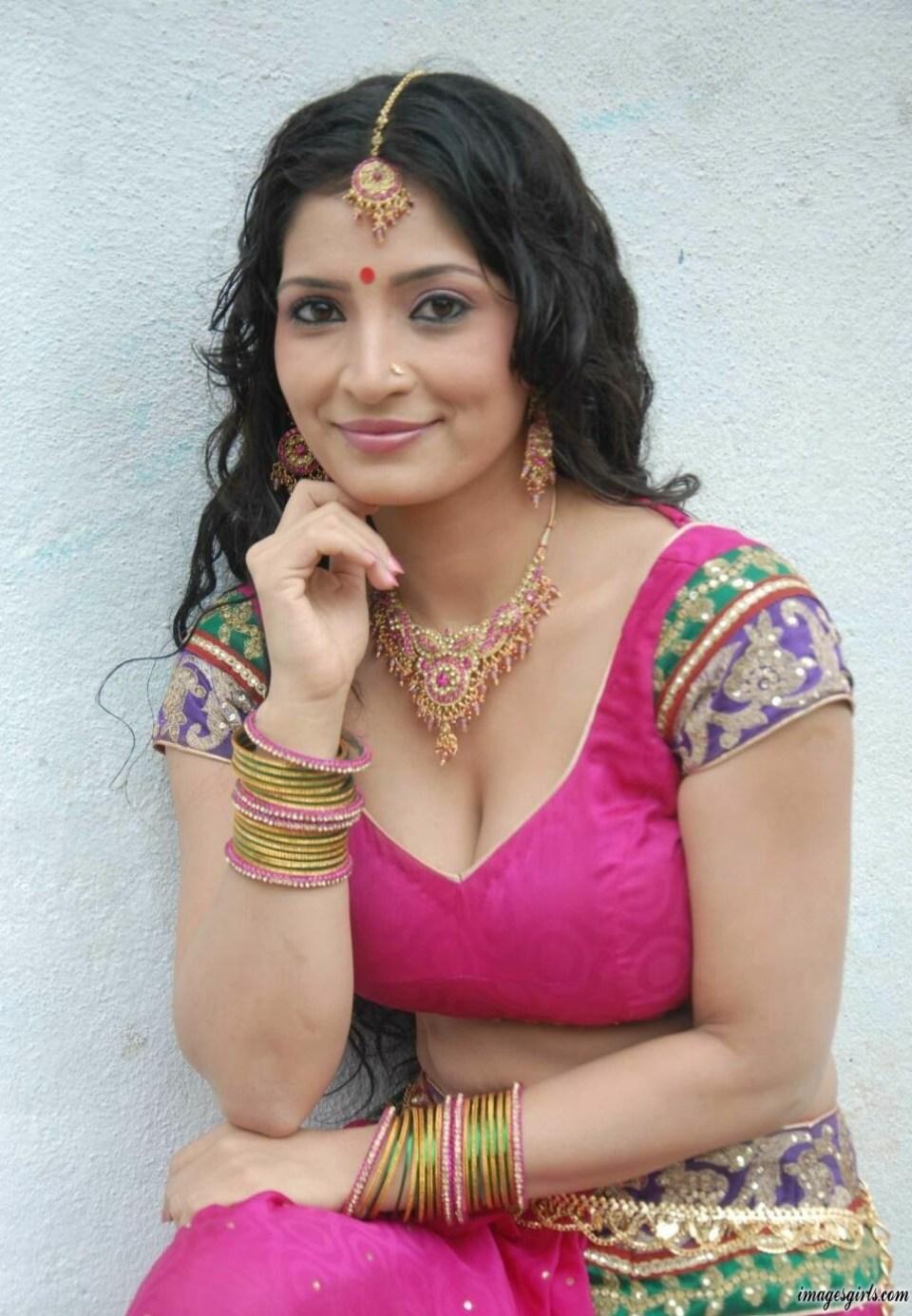 Anitha Bhat Kannada hot actress photos
