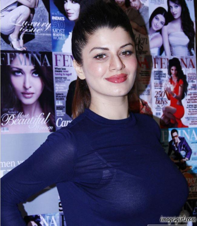 Bollywood Actress kainaat arora Latest Photo Gallery