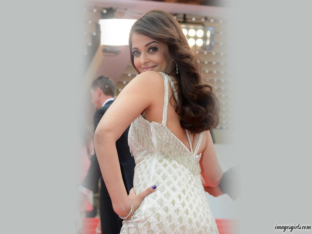 Aishwarya Rai Beautiful Hot Photos And Sexy Hd Imeges -9629