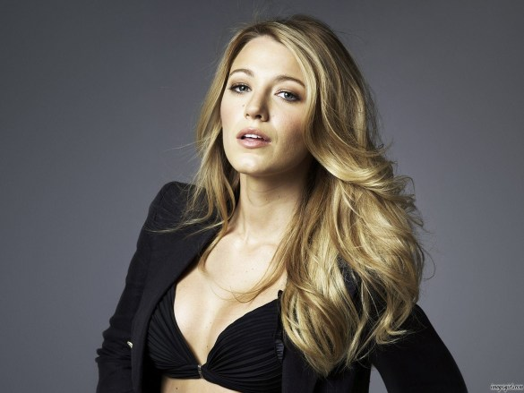 blake lively hot and sizzling photo in bikini