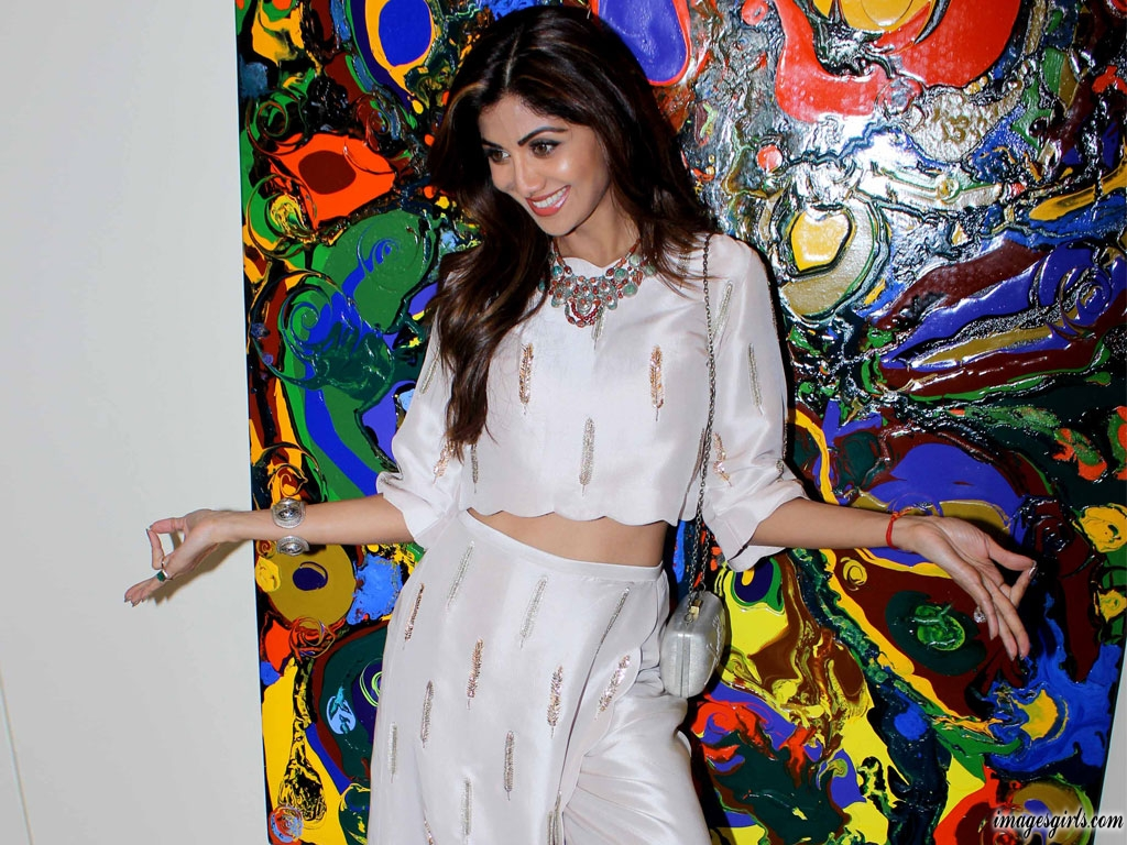 Shilpa Shetty Latest Hot And Glamorous Pictures Gallery - Images Girls-2555
