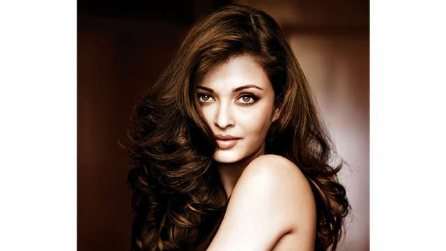To dad, with love! Aishwarya Rai Bachchan to sponsor surgeries of 100 children with cleft lips