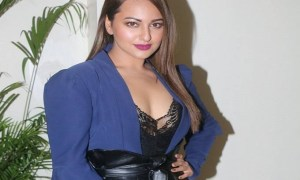 Sonakshi Sinha Photos At Ittefaq Movie Interview