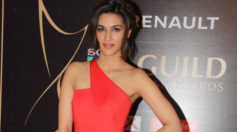 Never thought of becoming an actor when I was doing B Tech: Kriti Sanon
