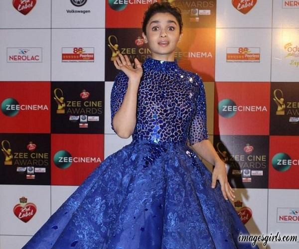 Alia Bhatt Beauty Photos At Zee Cine Awards