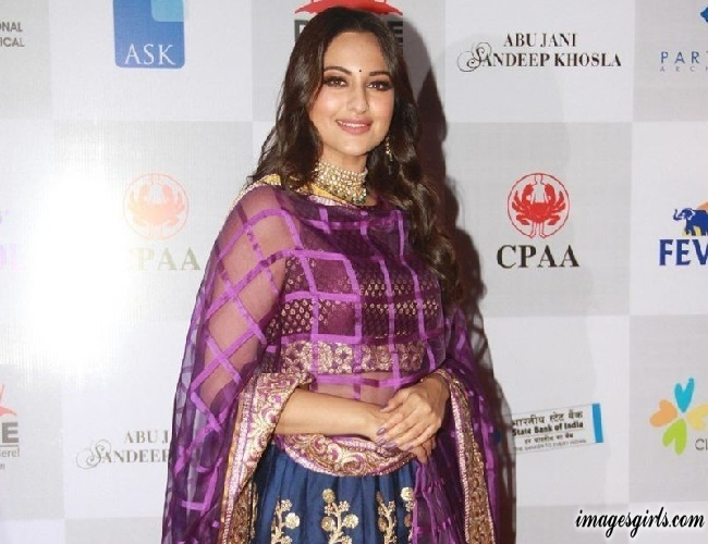 Sonakshi Sinha Images at Caring With Style Fashion Show