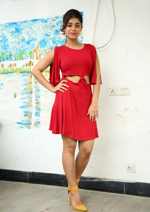 Yamini Bhaskar Images in red short dress