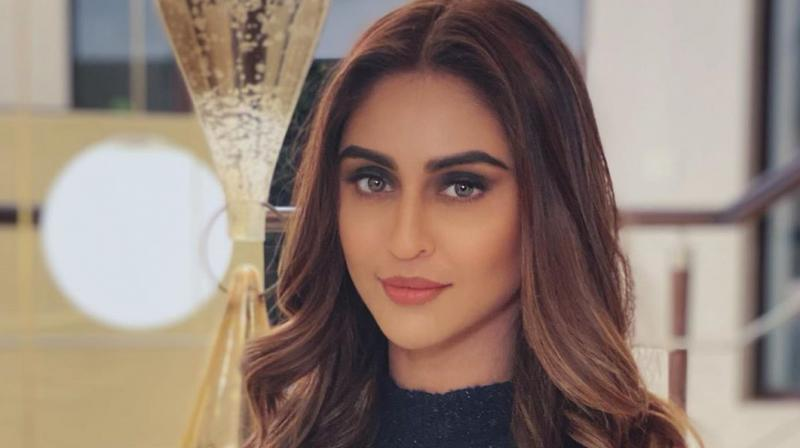 Krystle D'souza to make Bollywood debut with 'Chehre', replaces Kriti Kharbanda