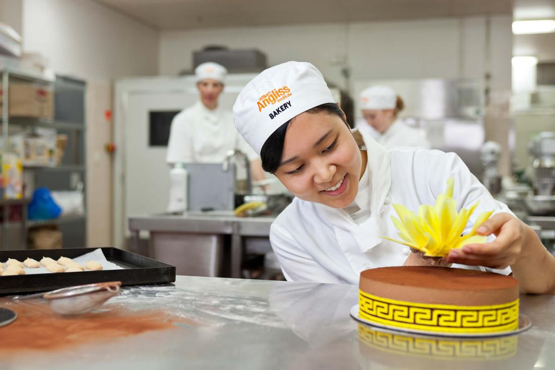 13003-0346-Image-Workshop-Melbourne-photographer-baking-apprentice-student-culinary-school
