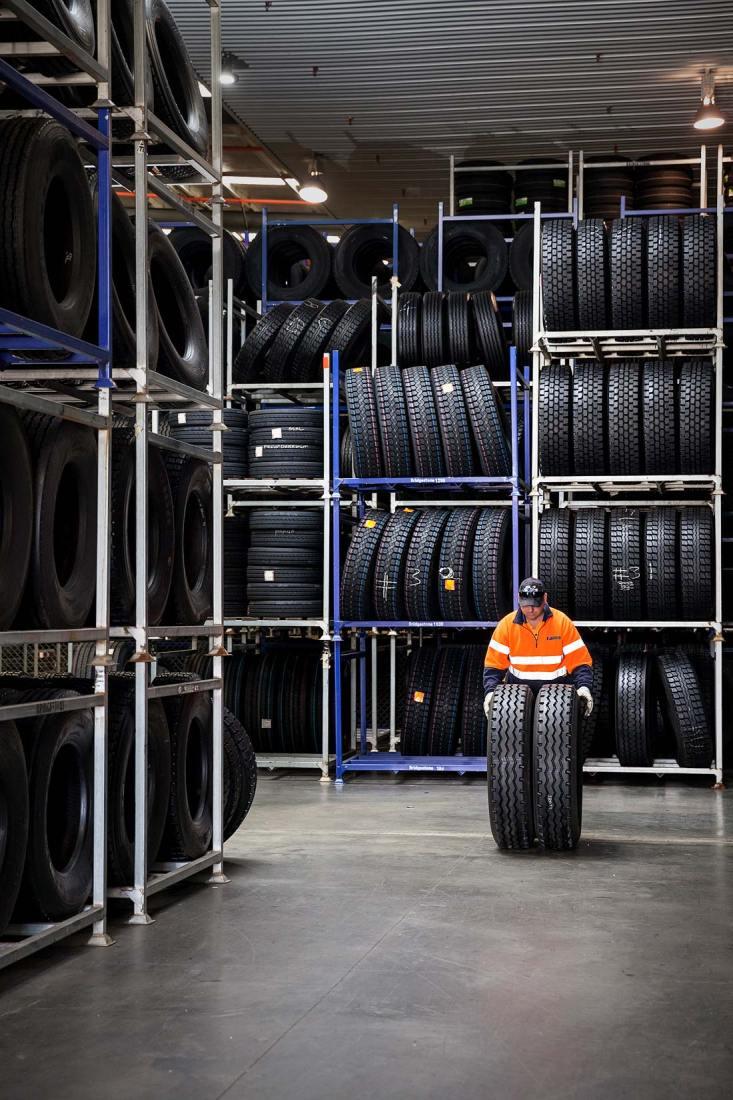 15126-0331-Image-Workshop-melbourne-photographer-industrial-tyre-warehouse