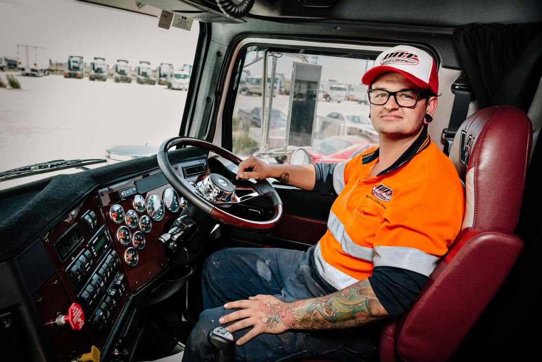15127-0154-Image-Workshop-melbourne-photographer-truck-driver