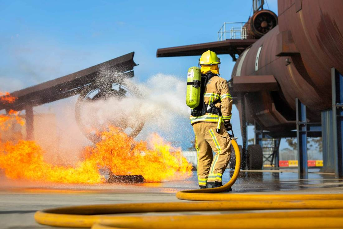 18106-3159-comp-Image-Workshop-Melbourne-firefighter-fire-fighting-photography