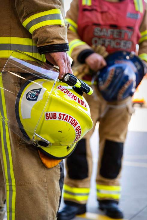 18106-3527-Image-Workshop-Melbourne-firefighter-fire-fighting-photography